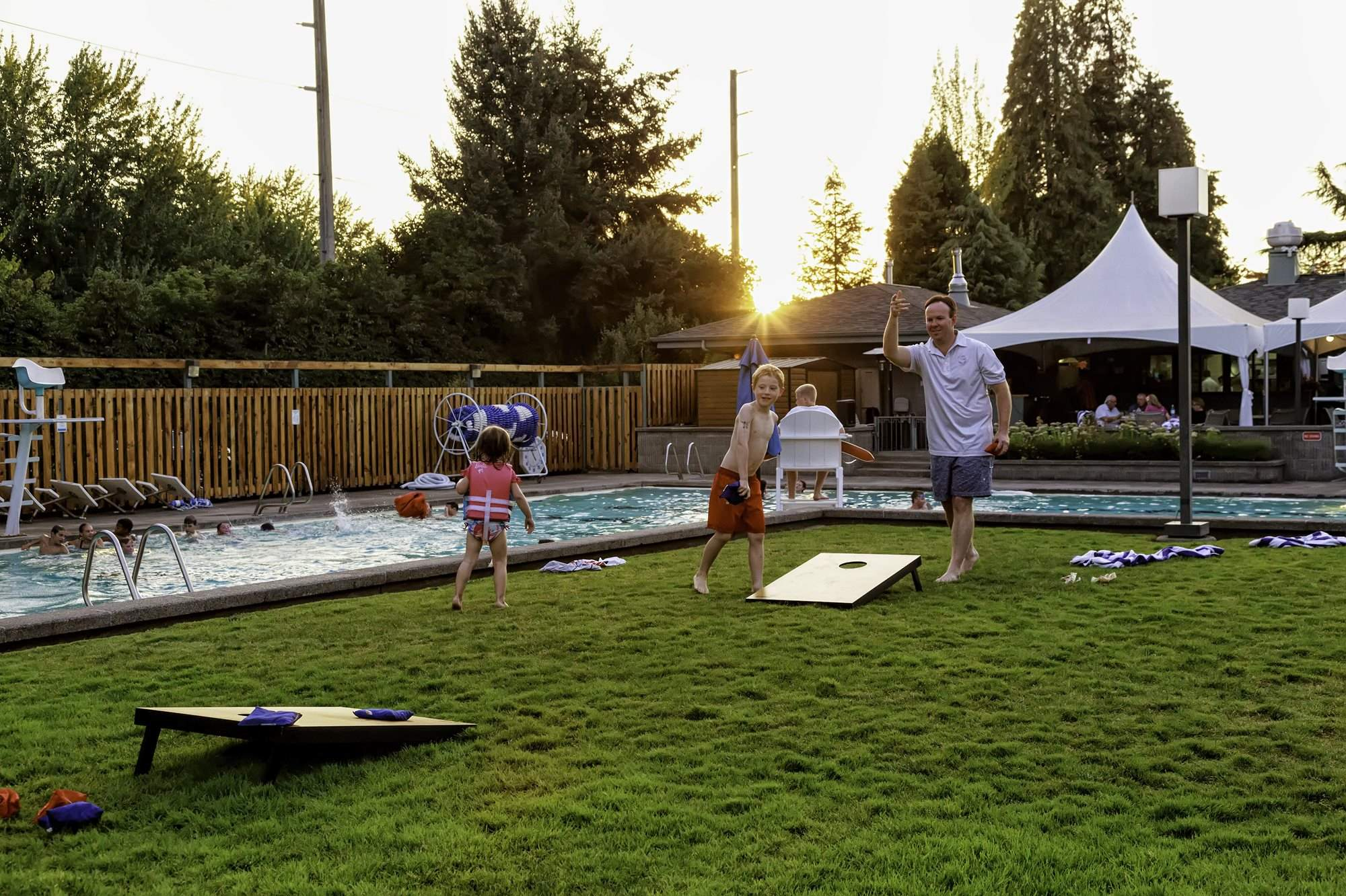 Eugene_Country_Club_-_Corn_Hole_(2)